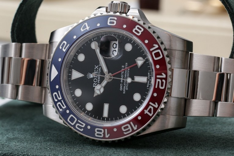 Red and Blue Cerachom Bezel Rolex Oyster Perpetual GMT-Master II Replica Watch
